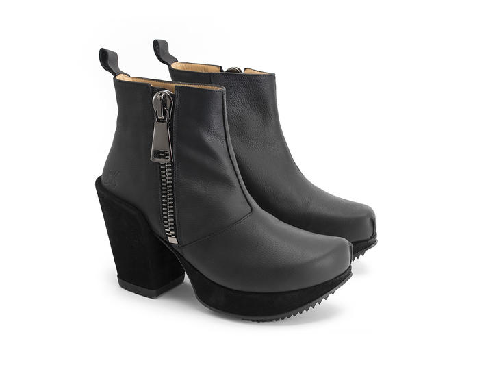 Tinder Black Leather Platform Boot