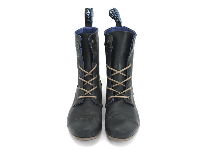 BBC: Women's Black Classic Lace-up Boot