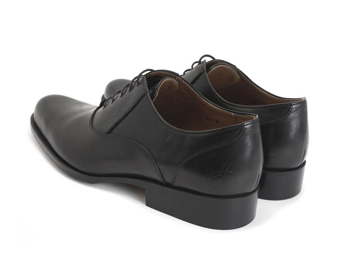 211 Carrall Street Black Traditional oxfords