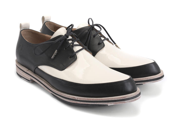Carla Black & Cream Lace-Up Leather Derby