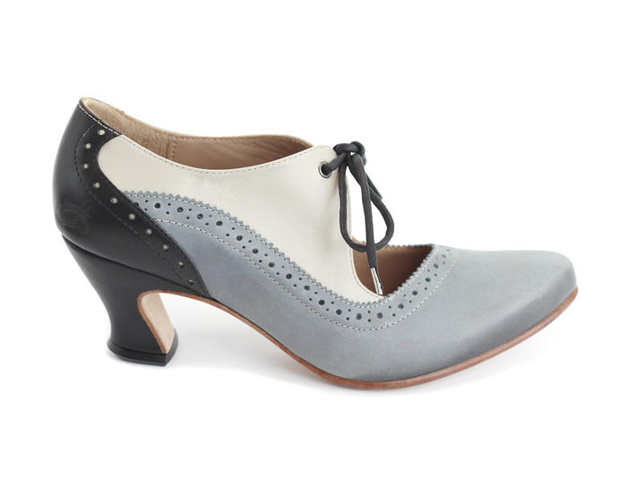 Lyra Blue Brogued lace-up pump
