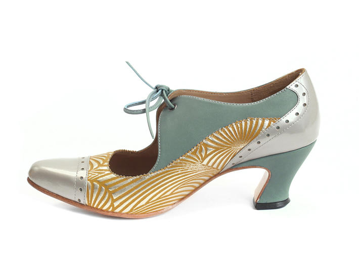 Lyra Yellow/Blue Brogued lace-up pump