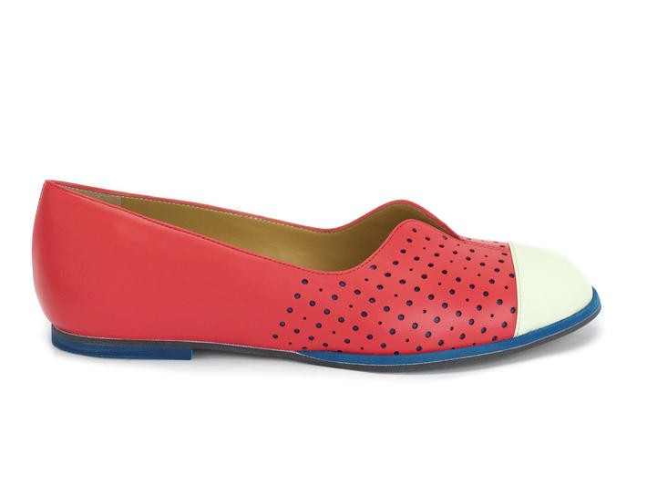 Sue Raspberry Flat with patent toe cap