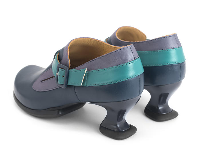 Shukran Blue/Purple Buckled shoe with slit