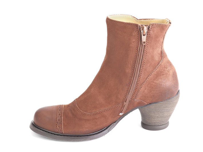 Venables Brown Ankle boot with buttons