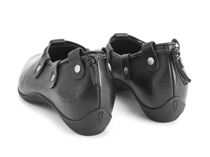 Vigor Black Slip-on shoe