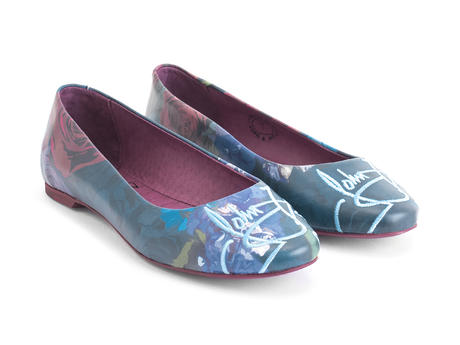 Maui Blue Floral Lightweight travel flat