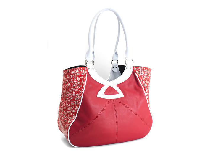 Twist Tote Red Contrast tote with patent