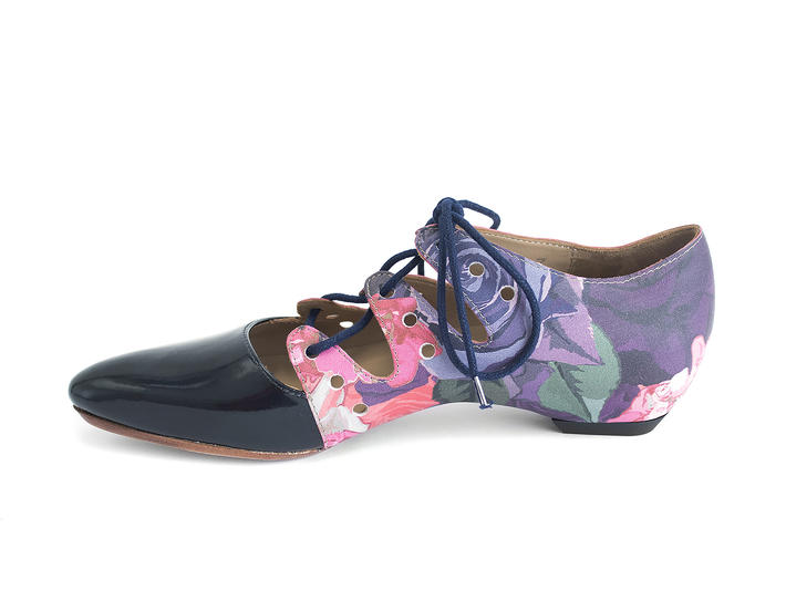 Coal Floral Two-toned lace-up shoe