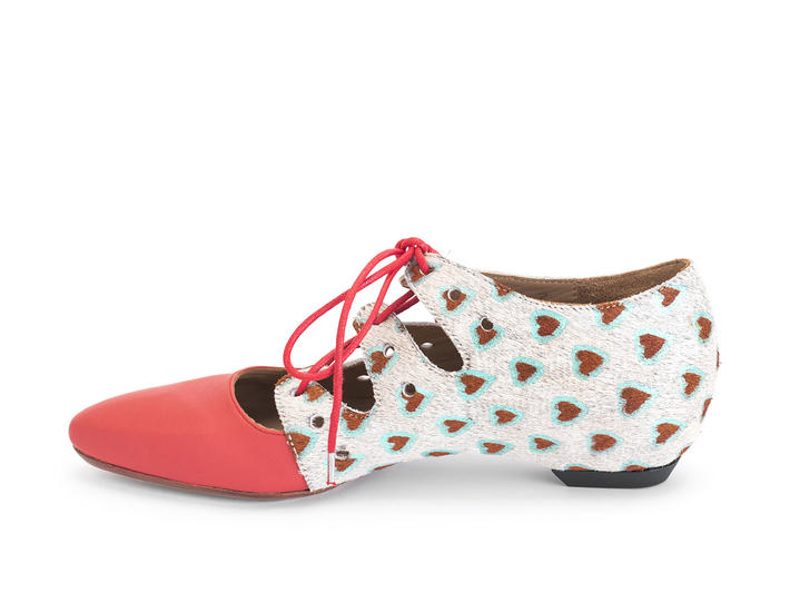 Coal Pony/Hearts Two-toned lace-up shoe