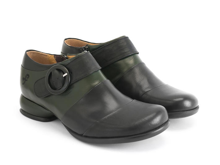 Tina Green/Black Contrast buckle shoe