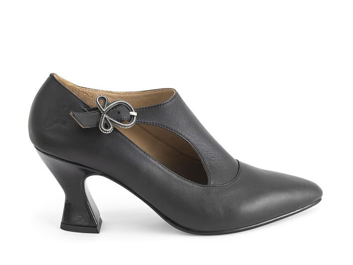 Darla Black Buckled leather heel