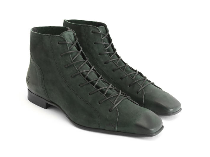 Henley: Men's Peacock Square toe lace-up boot