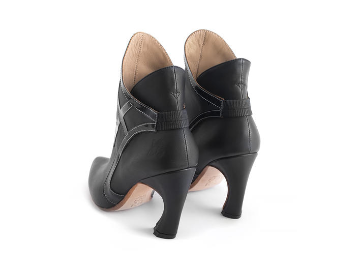 Gogo Black Ankle boot with trim