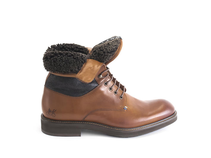 Clay Brown Lace-up boot with shearling