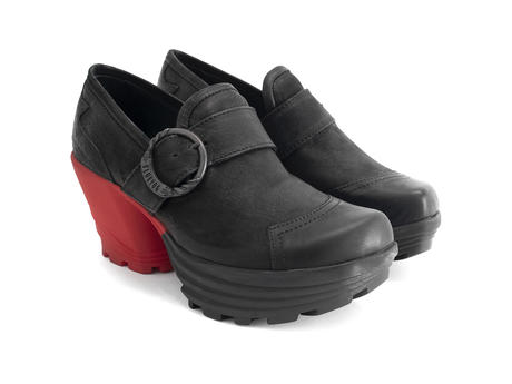 Jammin' Black/Red Contrast platform shoe