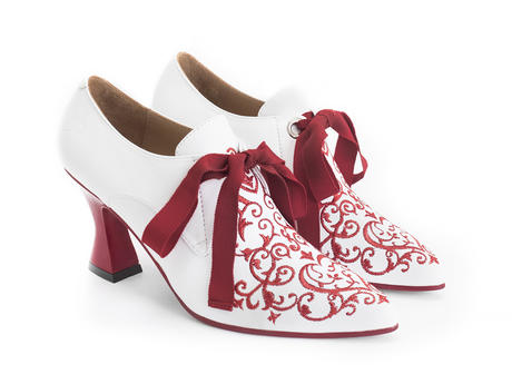 Zoe White Lace-up heel with embroidery
