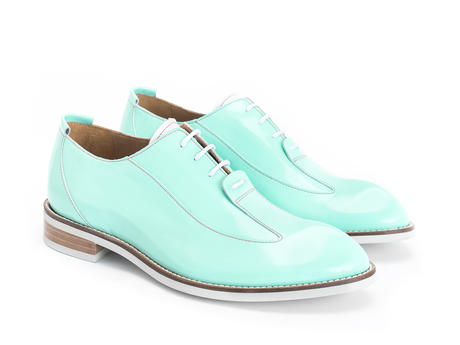 Honorius: Women's Sky Sleek wingtip oxford