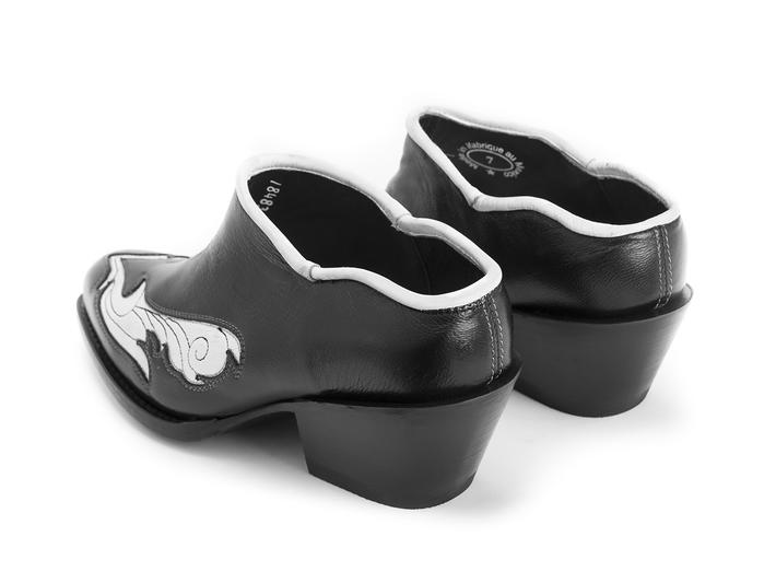 Garland Black/White Western mule