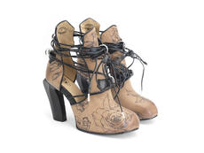 Tawny Natural/Tattoo Boot with wraparound laces