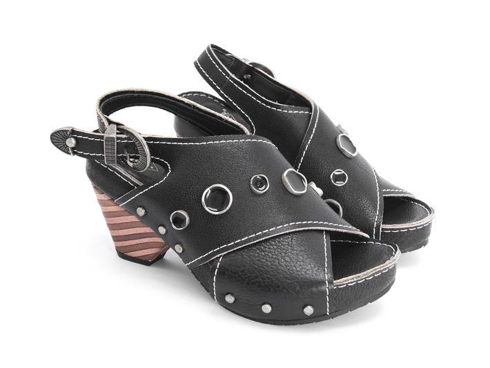 Sarah Black Slingback sandal