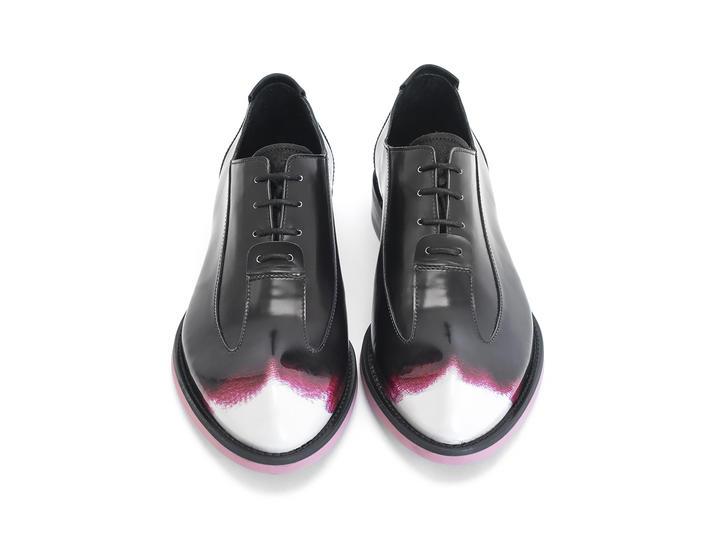 Pink/Black | Sleek wingtip oxford
