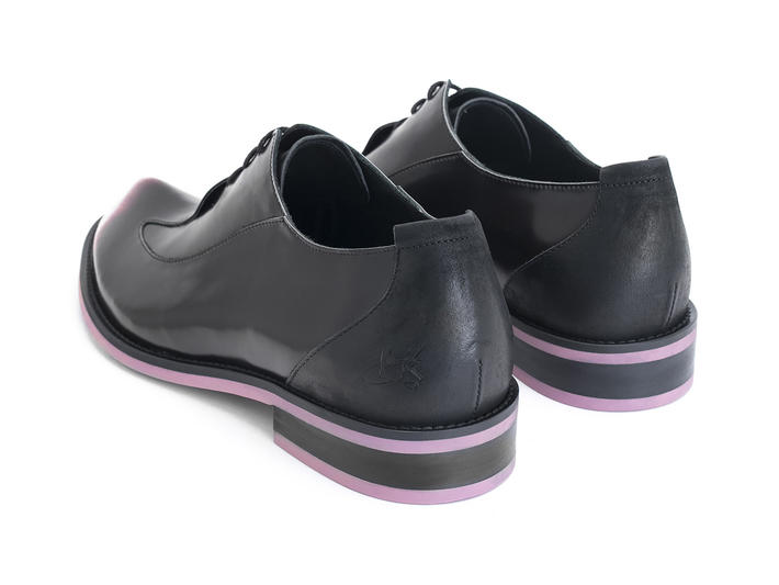 Honorius: Women's Pink/Black Sleek wingtip oxford