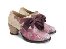 Templeton Natural/Floral Single eyelet lace-up shoe