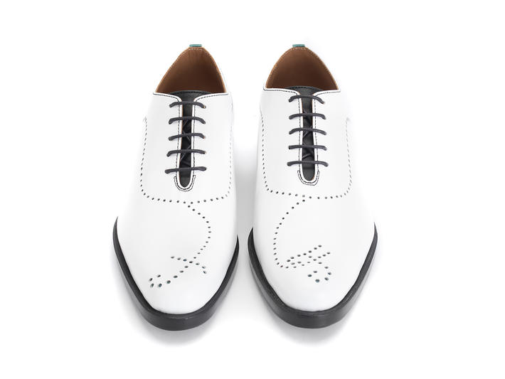 61 William St White Simple brogued oxford