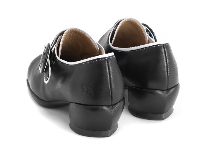 Tori Black Adorable buckle shoe