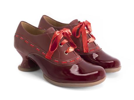 Peacemaker Burgundy Chaussure lacée avec surpiqûres