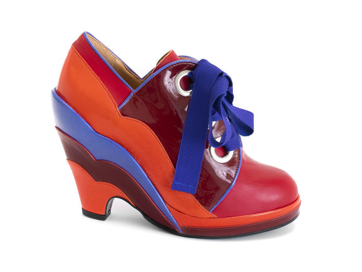 Miss August Orange/Red Lace-up scalloped wedge heel