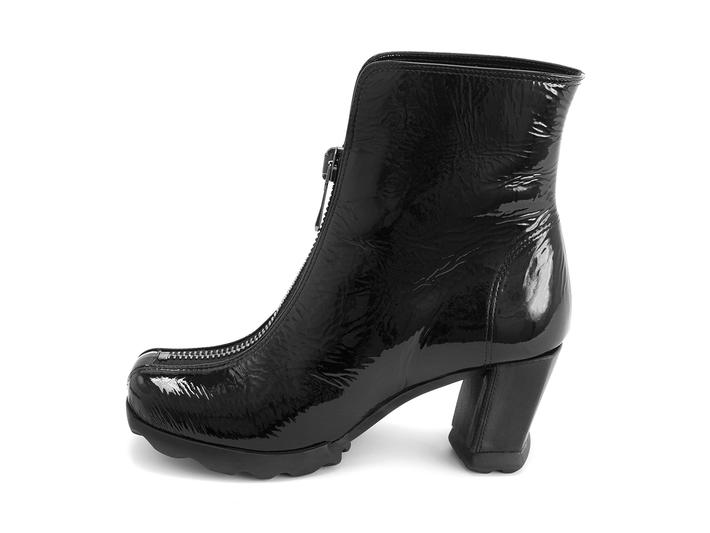 Niki Black Ankle boot with front zip