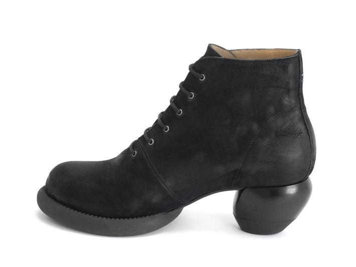 Hornik Black Lace-up ankle boot