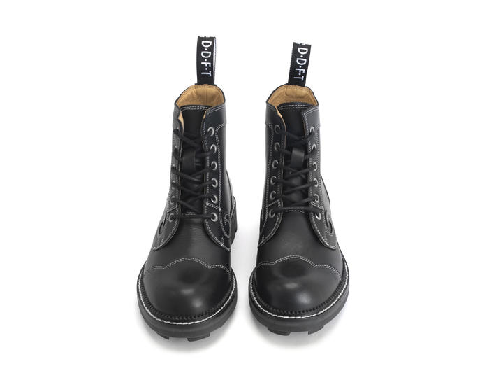 Derby Swirl (6 Eye) Black Classic Derby Boot