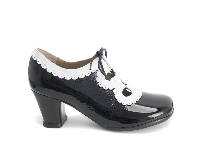 Melis Black/White Lace-up heel with trim
