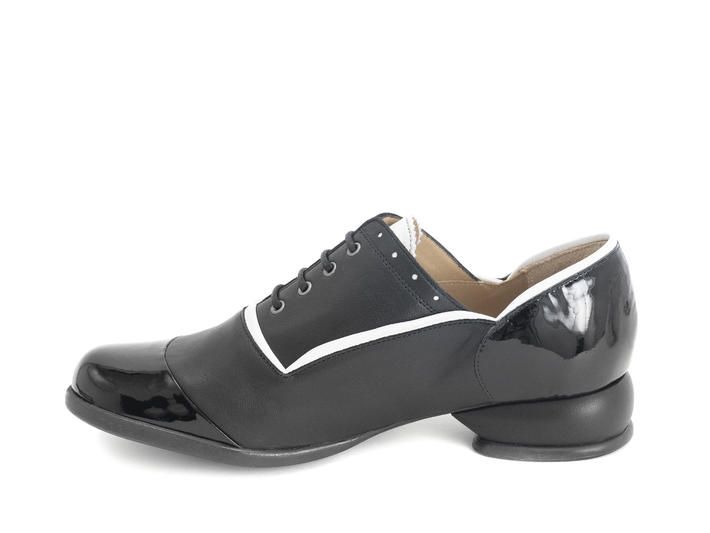 Darby Black Lace-up shoe with piping