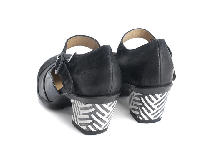 Bliss Black Single strap sandal