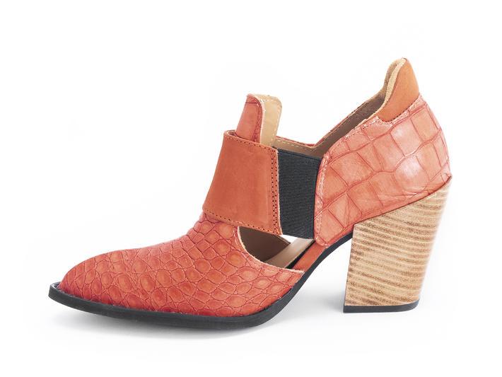 Room 502 Orange crock Open-sided bumped toe heel