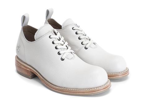 Winch Beige Wholecut shoe