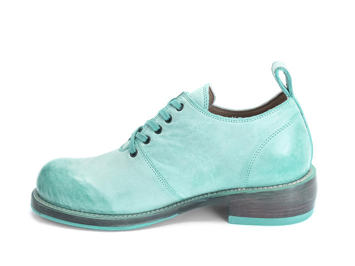 Winch Turquoise Wholecut shoe