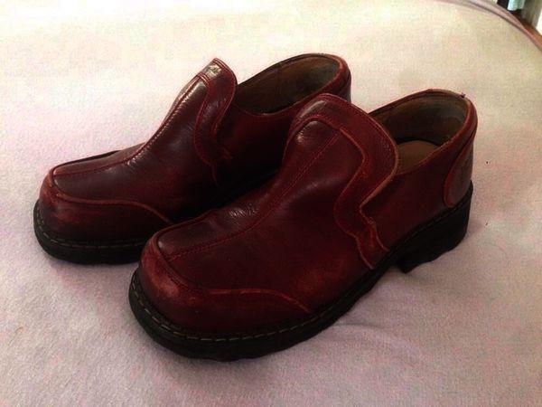F Shoe nancy low Size 7 burgundy
