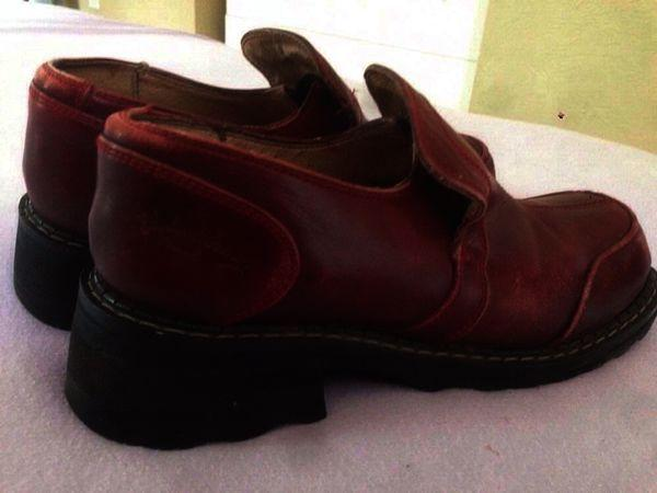 F Shoe nancy low Size 7 burgundy
