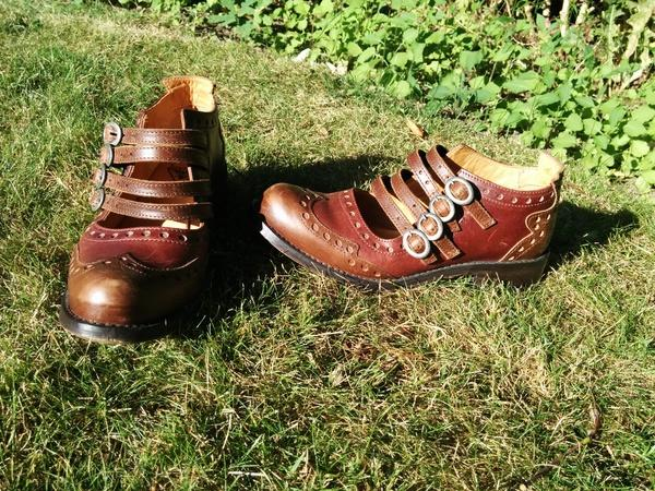 ADRIANS ALLI BROGUE MULTI BUCKLE SHOE