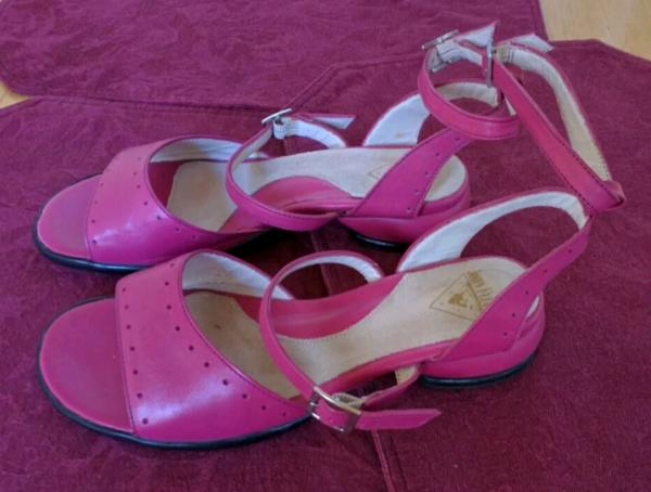 FELLOWSHIPS Family - JOANNA SANDALS Pink 7 1/2