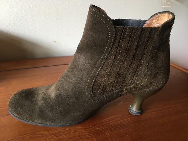 Dora Dufran Green suede Bellevue Pull-on bootie