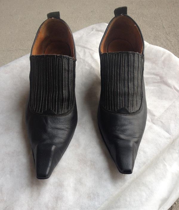 Women's swordfish shoes, size 7.5