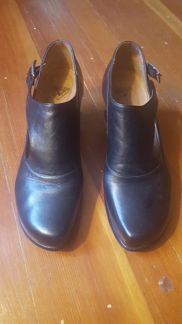 Women's GRACIAS shoes