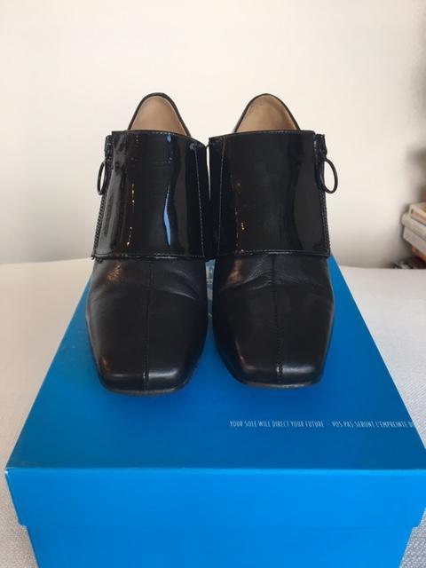 Tasty Vog Side Zip Shoe Annette