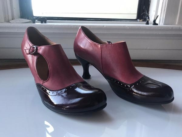 Rosy Pink & Wine Brogued Heel with Cutout Women's Shoes
